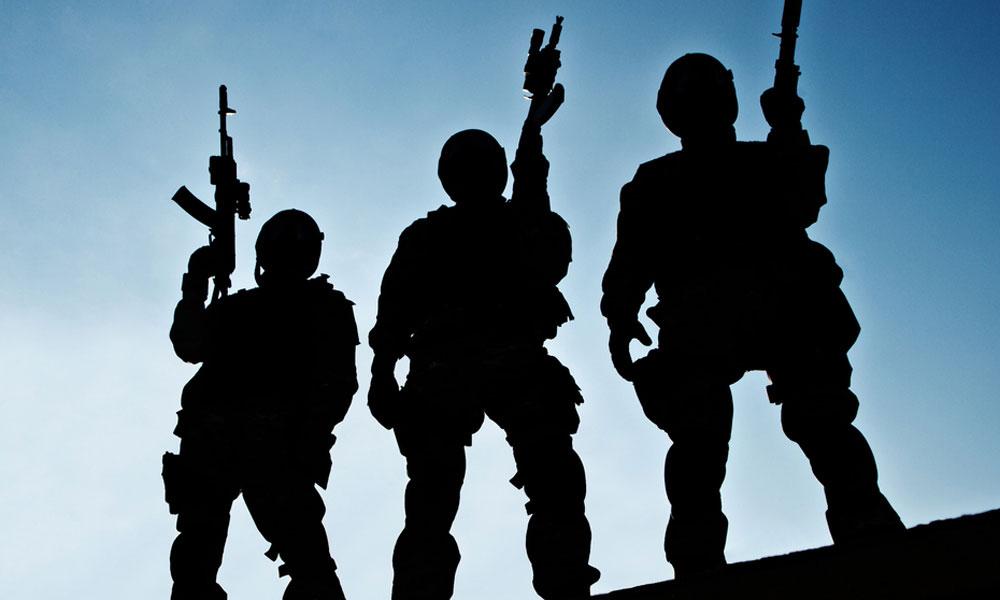 shutter_146660159-military